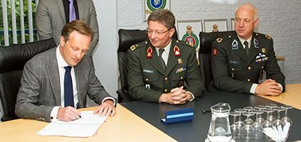 Signing ceremony for the ballistic needs of the Dutch army